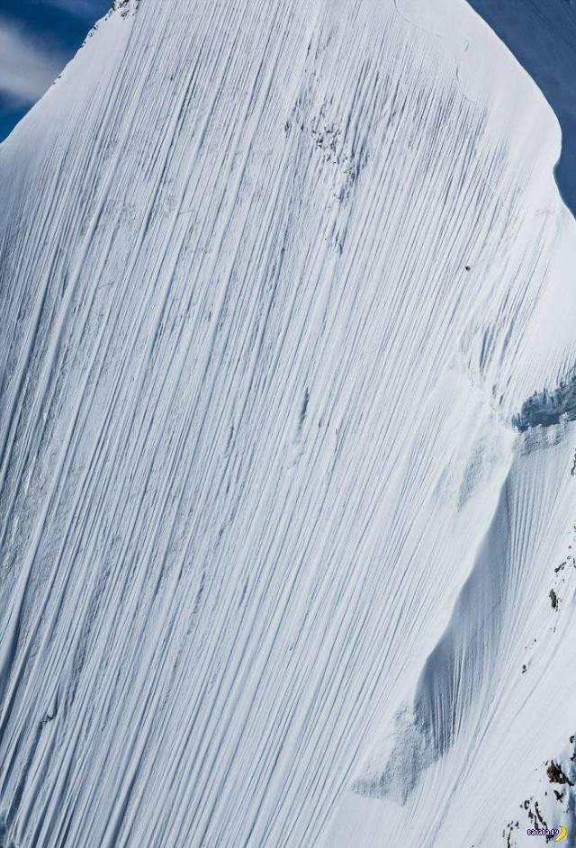 Скоростной спуск на лыжах с отвесной горы (3)