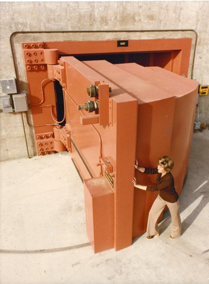 Самая тяжелая дверь в мире