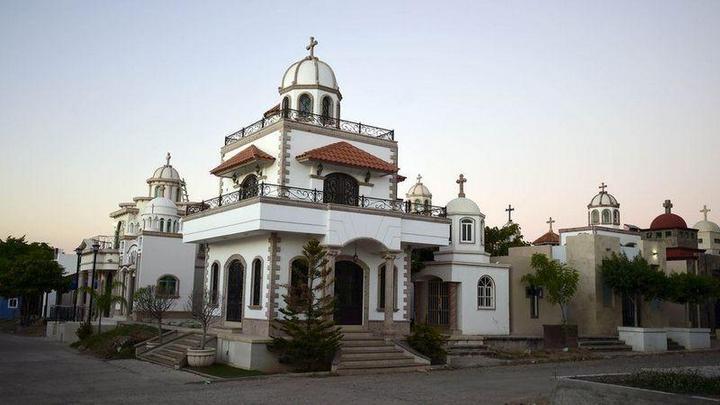 Роскошное кладбище мексиканских наркобаронов (1)
