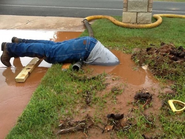 Джимми Кокс — самый добросовестный сантехник на планете (2)