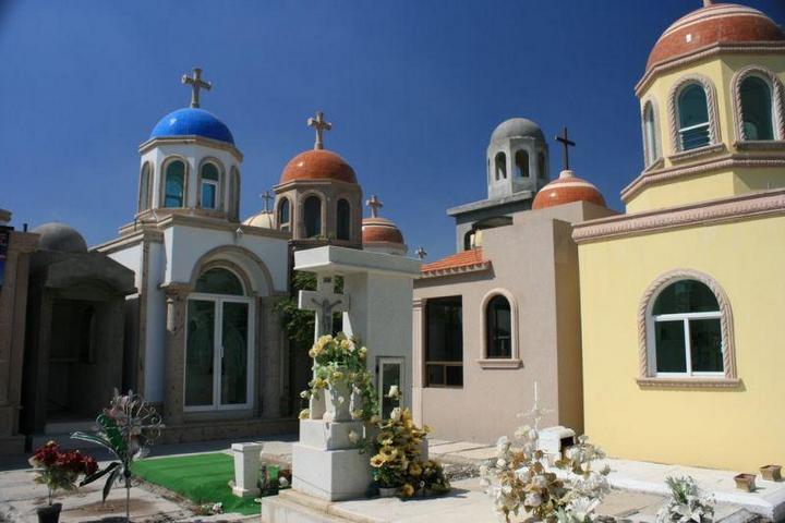 Роскошное кладбище мексиканских наркобаронов (11)