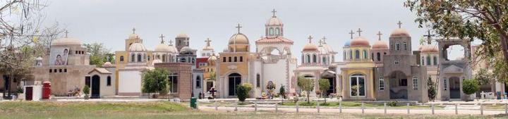 Роскошное кладбище мексиканских наркобаронов (12)