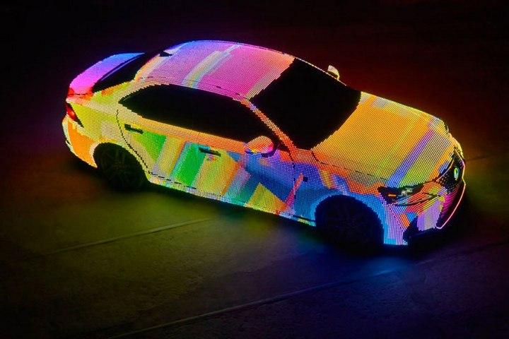 Lexus IS нарядили в покрытие из 42000 светодиодов (3)