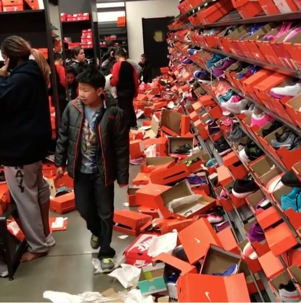 Как прошла Черная пятница в одном из дисконтов Nike в городе Сиэтл (4)