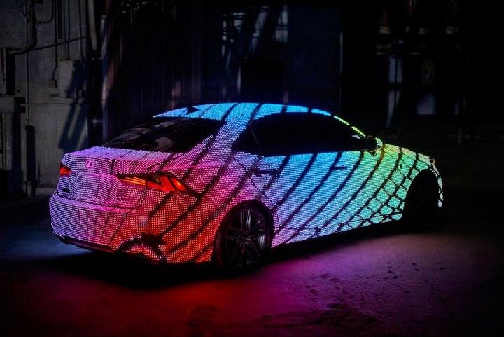 Lexus IS нарядили в покрытие из 42000 светодиодов (5)