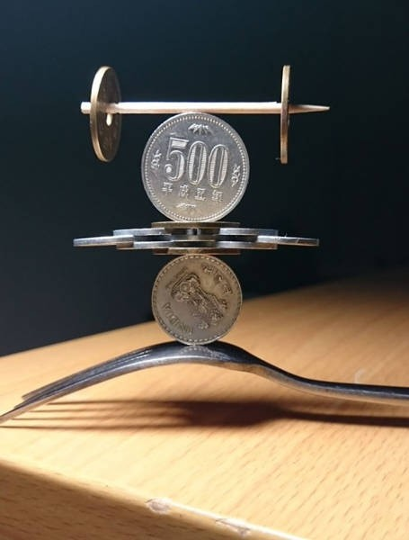 На грани. Удивительные фигуры из монет (6)