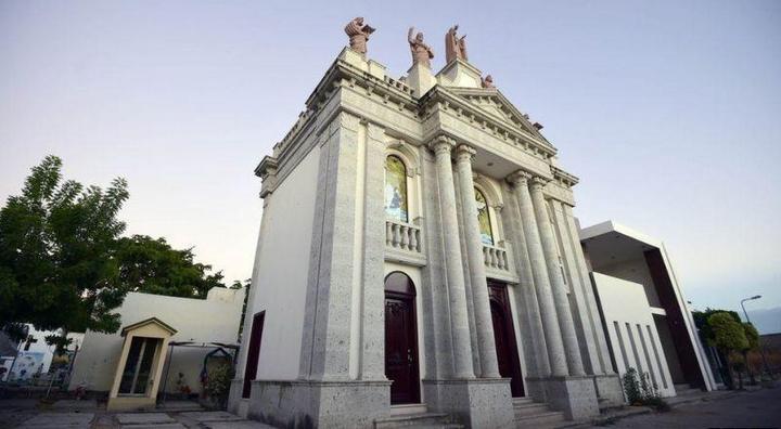 Роскошное кладбище мексиканских наркобаронов (7)