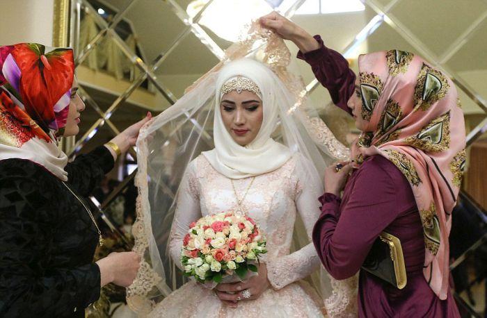 Как празднуют традиционные чеченские свадьбы в Грозном (9)