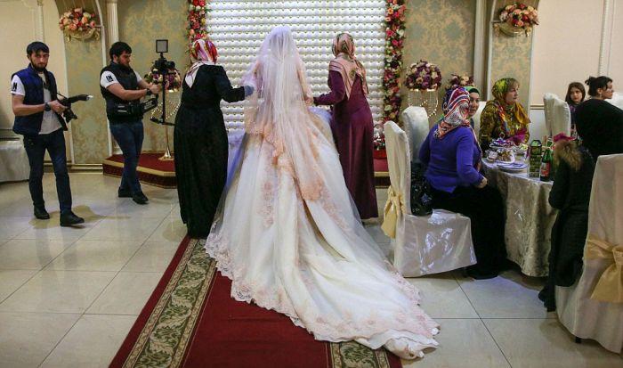 Как празднуют традиционные чеченские свадьбы в Грозном (10)