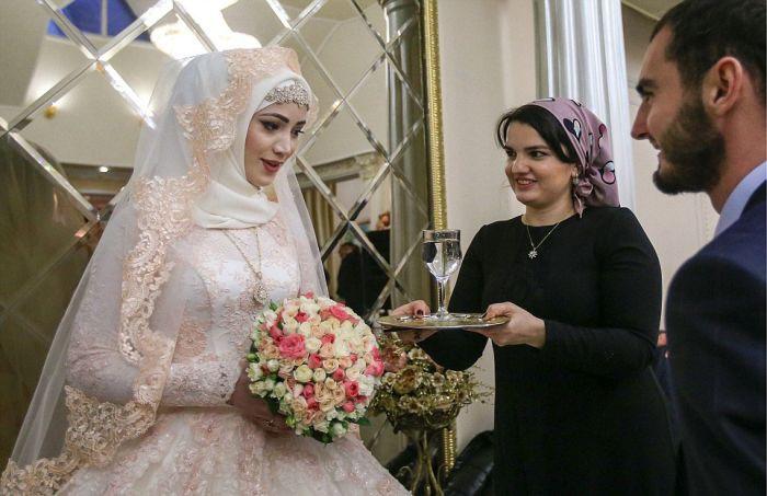 Как празднуют традиционные чеченские свадьбы в Грозном (13)
