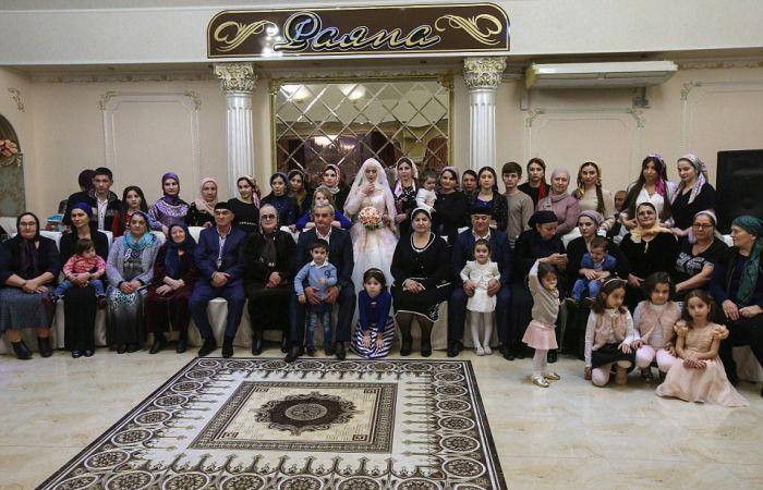 Как празднуют традиционные чеченские свадьбы в Грозном (15)