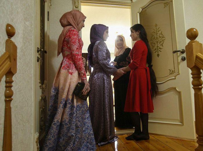 Как празднуют традиционные чеченские свадьбы в Грозном (21)