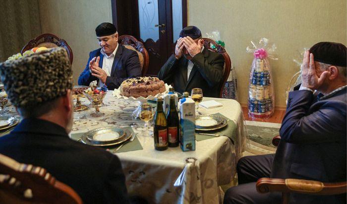 Как празднуют традиционные чеченские свадьбы в Грозном (24)