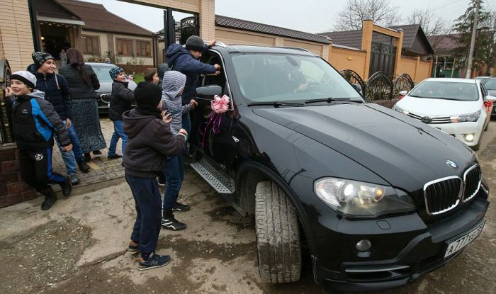 Как празднуют традиционные чеченские свадьбы в Грозном (32)
