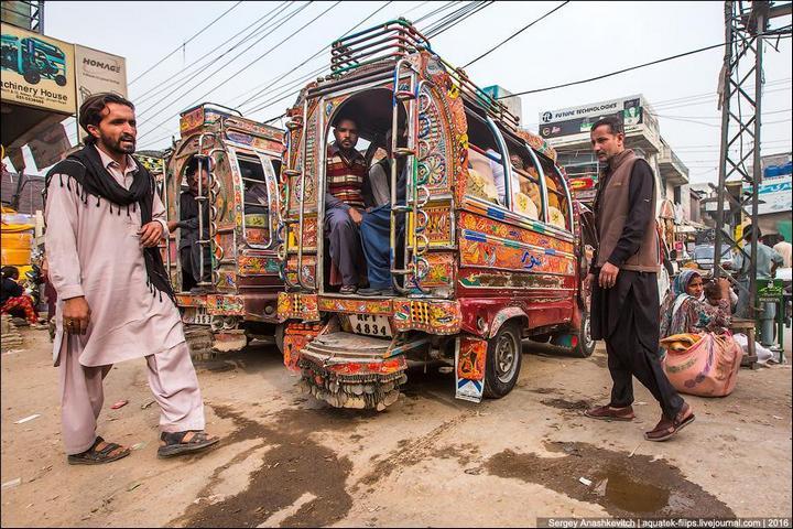 Пакистанские маршрутки (24)
