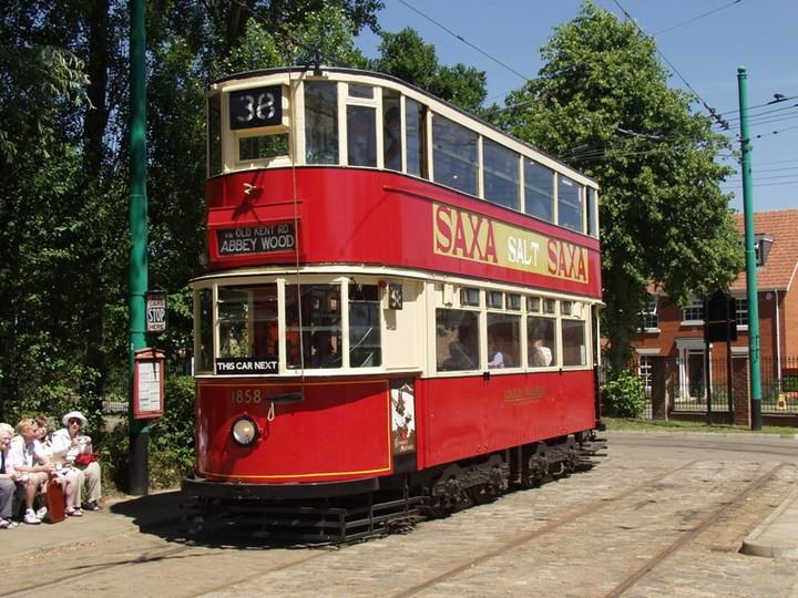 В Лондоне исчез многолетний символ города (5)