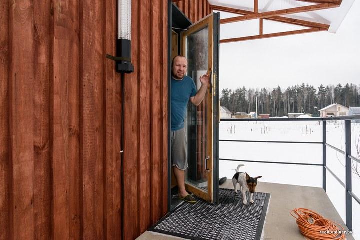 Втроем на 16 квадратных метрах. Семья живет в микродоме под Минском (4)