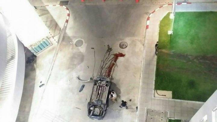 В Тайланде автомобиль свалился с многоэтажной парковки (5)