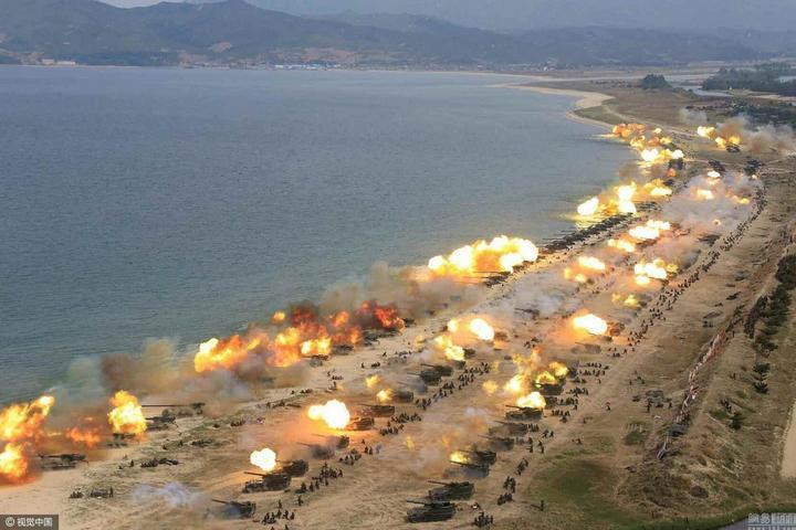 В Северной Корее прошли массовые стрельбы (1)