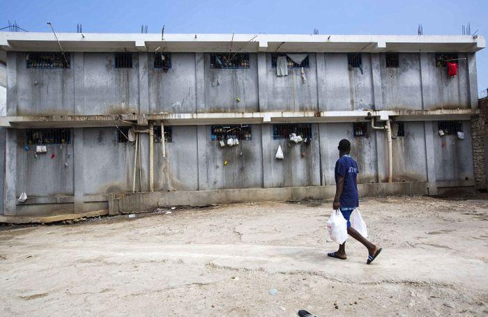 Тюрьма в столице Гаити Порт-о-Пренсе (10)