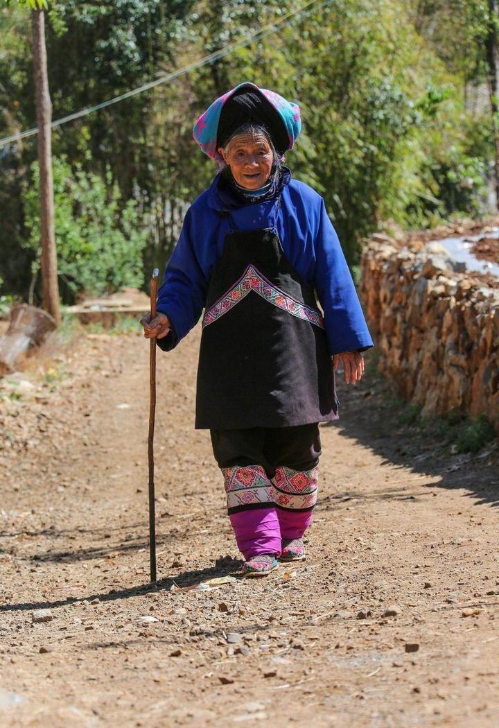 Последние китаянки пережившие бинтование ног (10)
