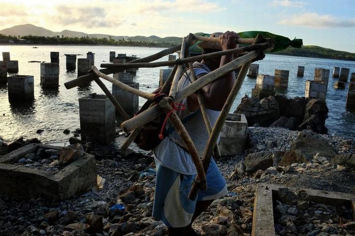Филиппинский шахтеры рискуют своими жизнями в поисках золота (5)
