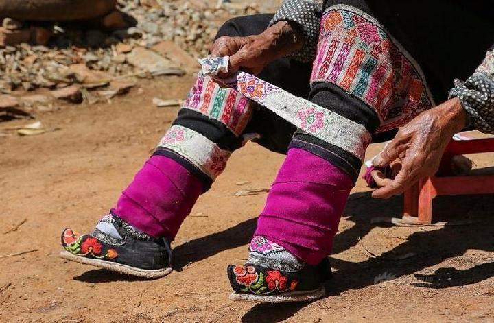 Последние китаянки пережившие бинтование ног (5)