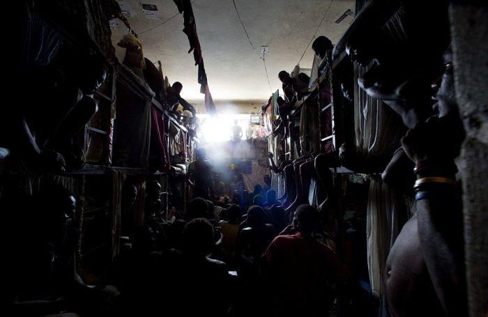 Тюрьма в столице Гаити Порт-о-Пренсе (7)