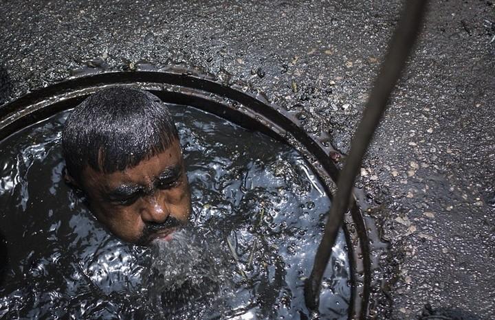Самая грязная работа: очиститель канализационных систем (3)