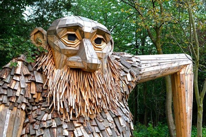 «Забытые гиганты» — деревянные скульптуры спрятанные в лесу (13)