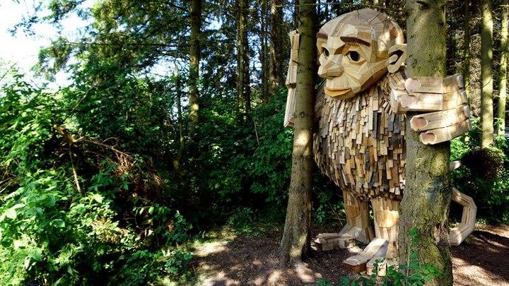 «Забытые гиганты» — деревянные скульптуры спрятанные в лесу (14)