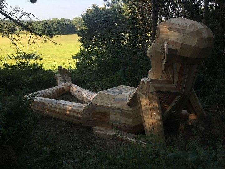 «Забытые гиганты» — деревянные скульптуры спрятанные в лесу (4)