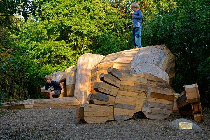 «Забытые гиганты» — деревянные скульптуры спрятанные в лесу (6)