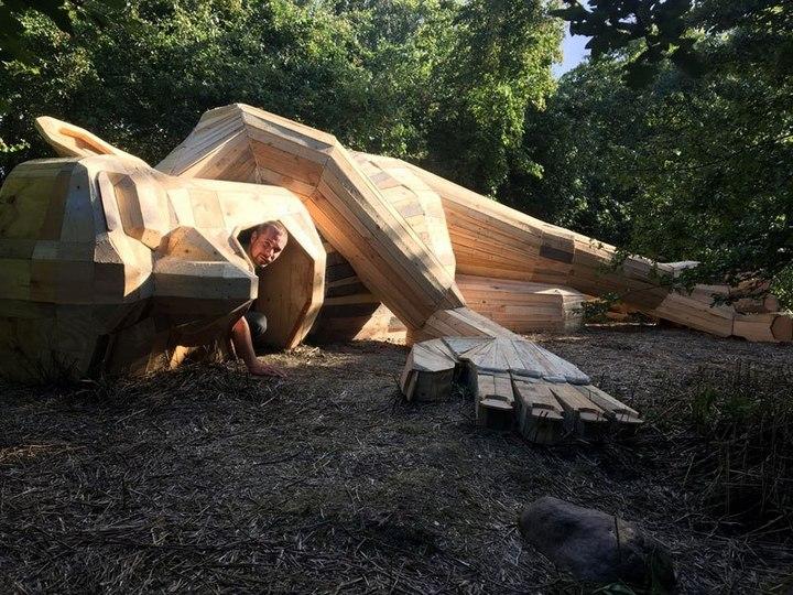 «Забытые гиганты» — деревянные скульптуры спрятанные в лесу (9)