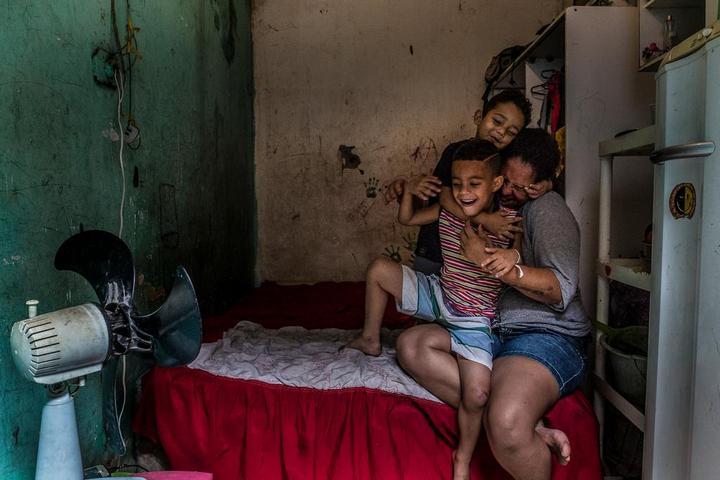 Мрачные трущобы Рио-де-Жанейро (8)