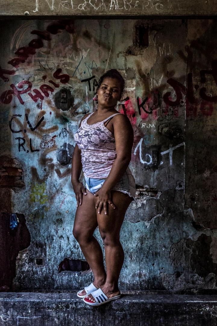 Мрачные трущобы Рио-де-Жанейро (11)