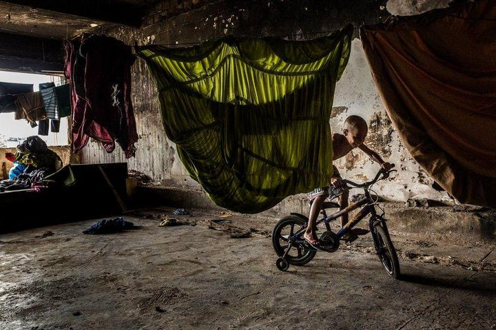Мрачные трущобы Рио-де-Жанейро (24)
