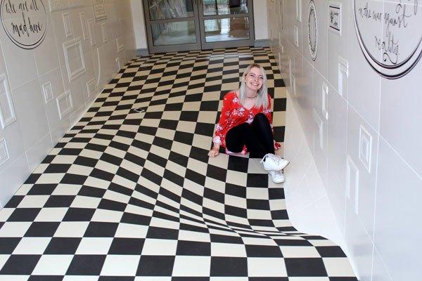 Удивительный пол-иллюзия из 400 плиток (5)
