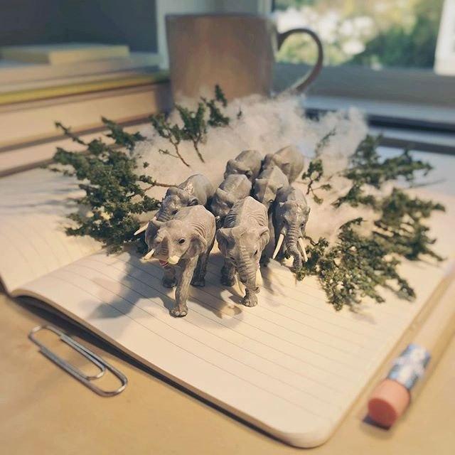 Удивительные миниатюры Деррика Лина (6)