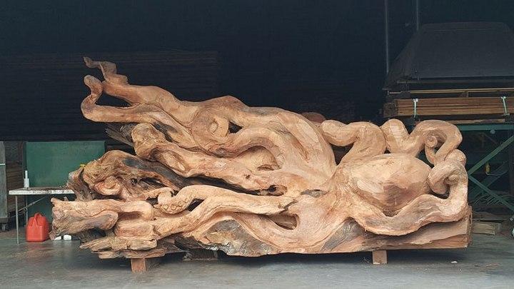 Превращение корня дерева в гигантского осьминога (6)