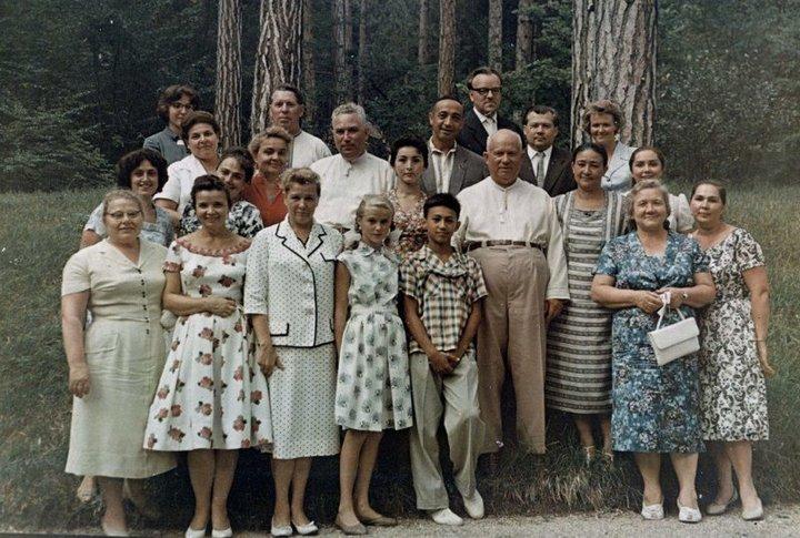 От Хрущевой до Путиной: как выглядели Первые Леди нашей страны (7)
