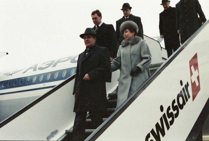 От Хрущевой до Путиной: как выглядели Первые Леди нашей страны (20)