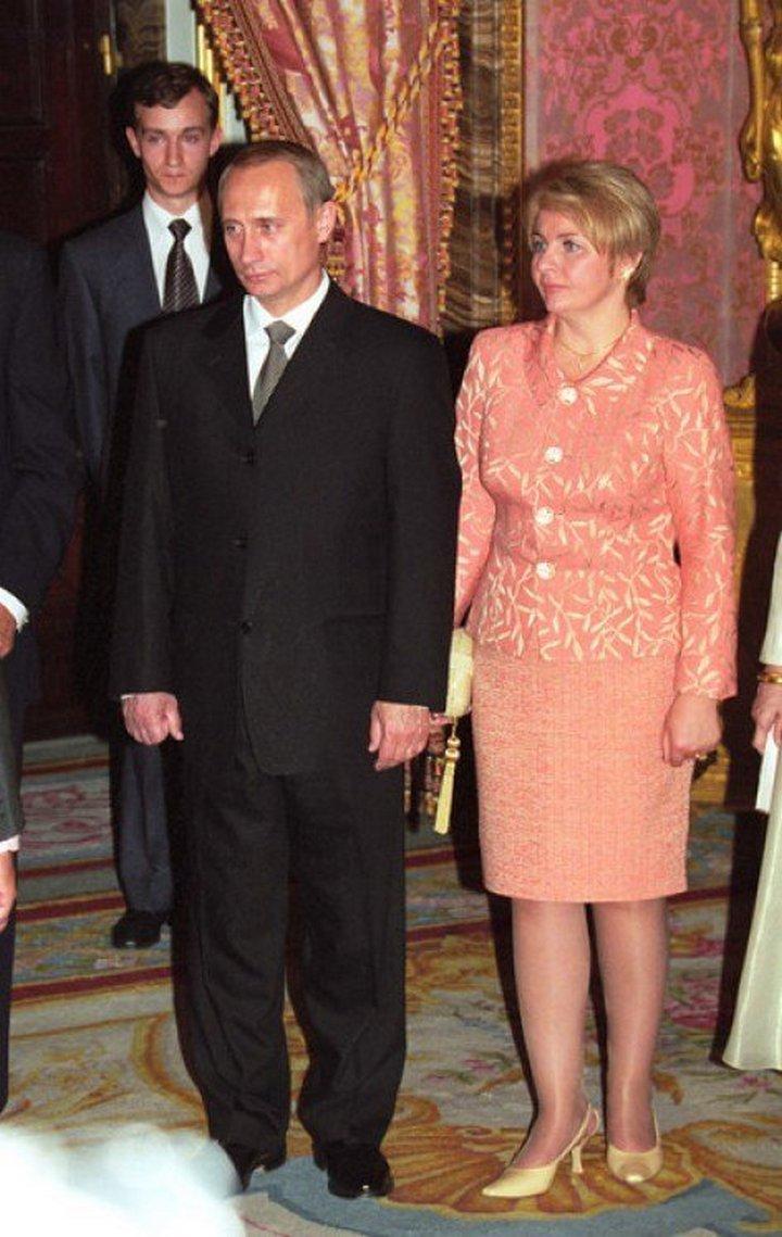 От Хрущевой до Путиной: как выглядели Первые Леди нашей страны (30)