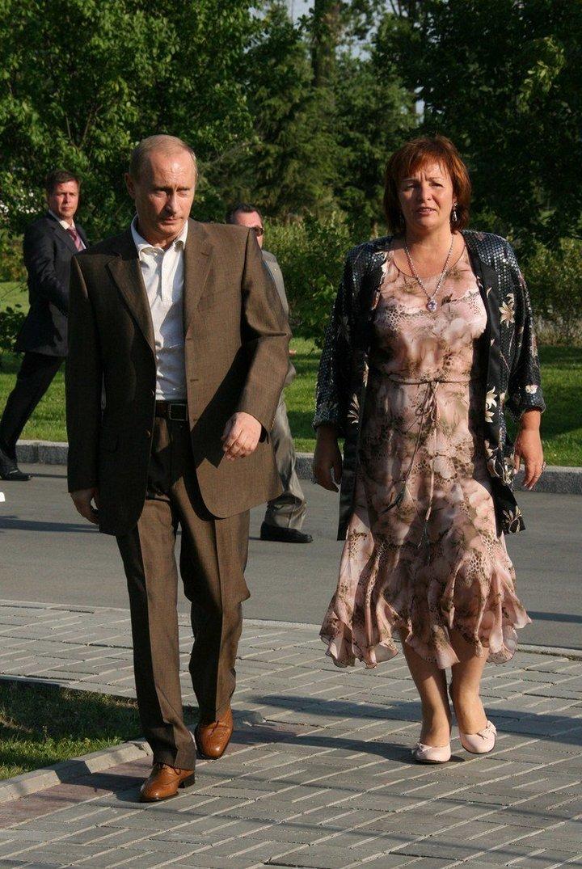 От Хрущевой до Путиной: как выглядели Первые Леди нашей страны (37)