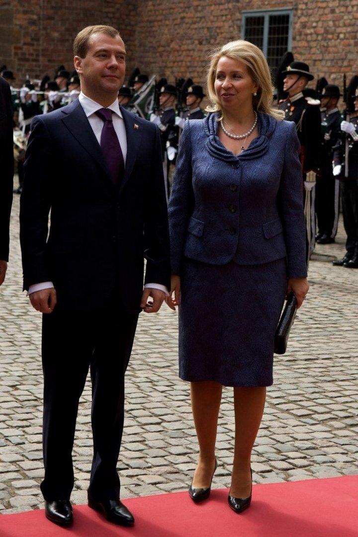 От Хрущевой до Путиной: как выглядели Первые Леди нашей страны (38)
