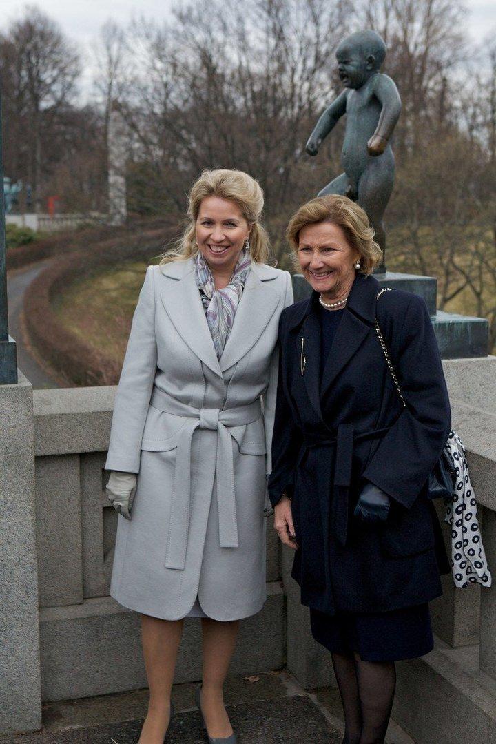 От Хрущевой до Путиной: как выглядели Первые Леди нашей страны (42)