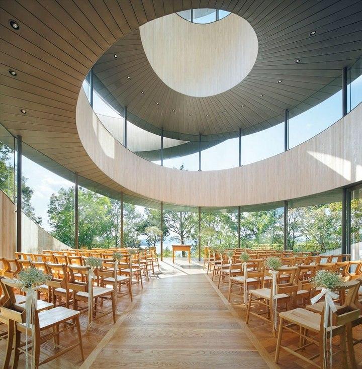 Необычный дворец бракосочетания в Японии (2)