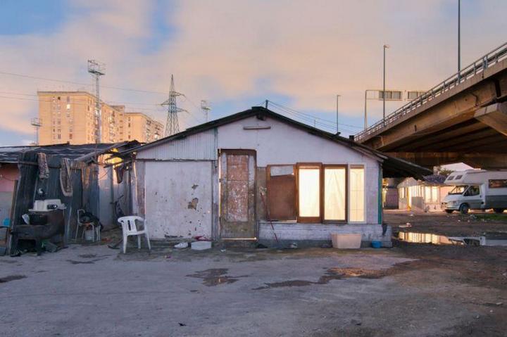 Цыганские жилища на окраинах Неаполя (6)