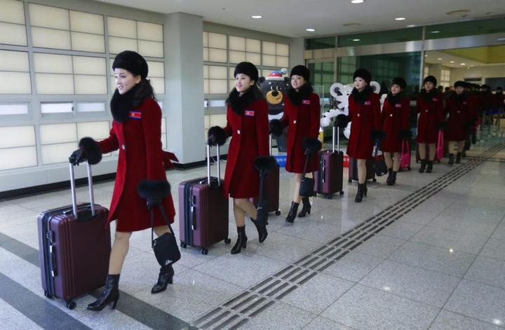 Команда болельщиц из КНДР (3)