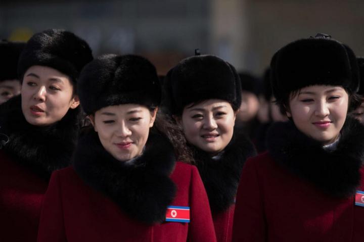 Команда болельщиц из КНДР (4)